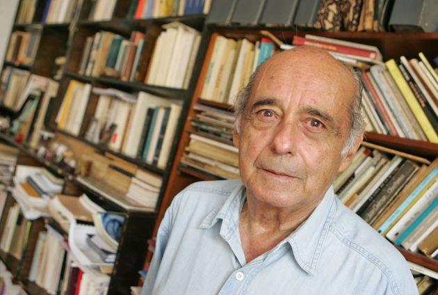 Fotografía tomada de http://www.andina.com.pe/agencia/noticia-carlos-german-belli-inaugurara-ciclo-dedicado-a-poesia-peruana-500072.aspx
